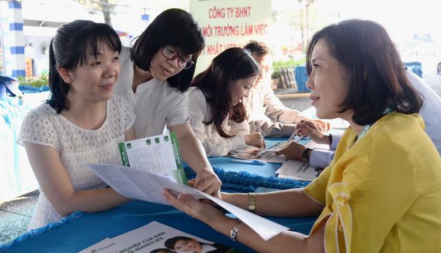300 gian hàng tuyển dụng trong Ngày hội việc làm phụ nữ - Ảnh 1.
