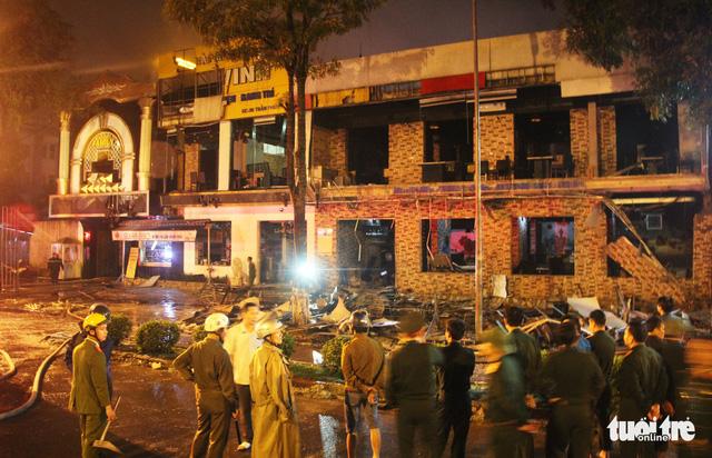 Nhân viên quên khóa bình gas, quán nướng nổ thiệt hại 10 tỉ - Ảnh 1.