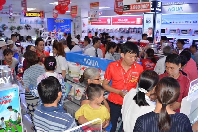 Giả mạo thương hiệu bán lẻ điện máy trong mùa nóng - Ảnh 2.