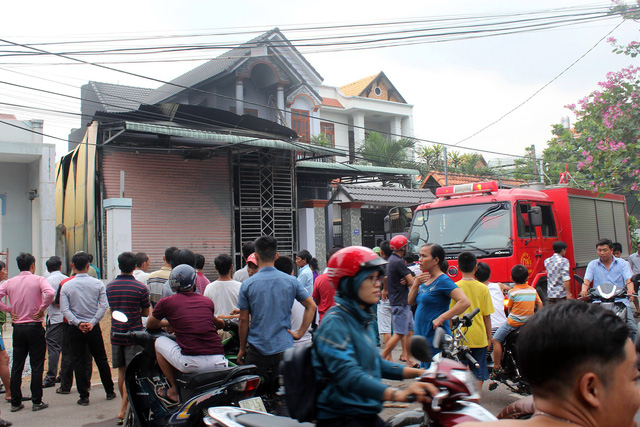 Căn nhà khóa trái cửa bị cháy rụi tại Đồng Nai - Ảnh 1.