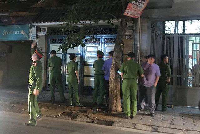Khám nhà nguyên tướng tình báo Phan Hữu Tuấn ở Hà Nội - Ảnh 2.