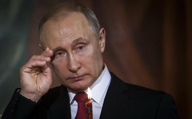 Sau tên lửa xuống Syria, Mỹ dội cấm vận vào Nga