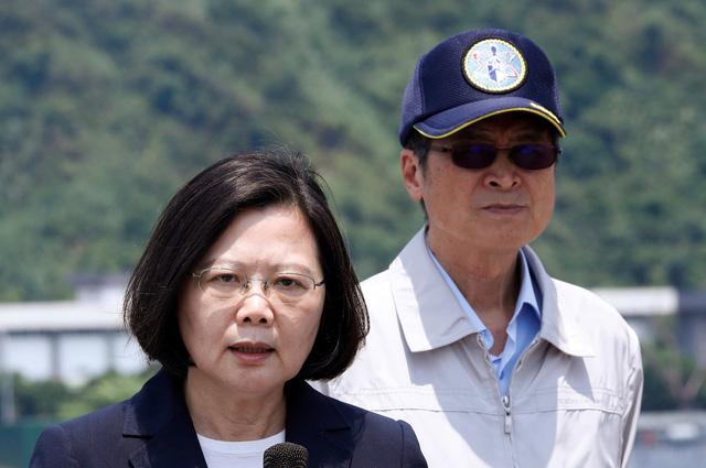 Trung Quốc bắt đầu tập trận, bắn đạn thật tại eo biển Đài Loan - Ảnh 1.