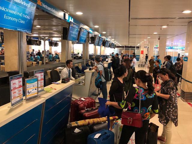 Vietnam Airlines bán vé máy bay đến sân bay Vân Đồn - Ảnh 1.