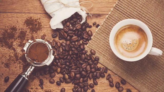 Cách nào nhận diện cà phê thiệt? - Ảnh 1.