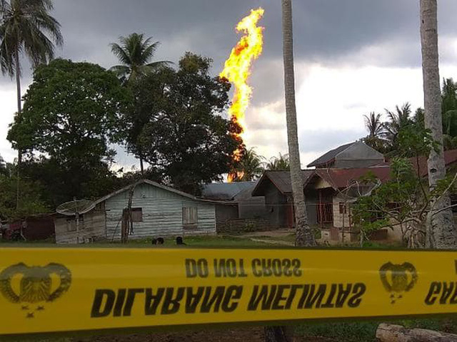 Cháy giếng dầu ở Indonesia, hàng chục người thương vong - Ảnh 1.