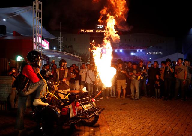 Cháy giếng dầu ở Indonesia, hàng chục người thương vong - Ảnh 3.