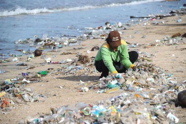 Việt Nam nằm trong 5 nước thải rác nhựa xuống biển nhiều nhất thế giới - Ảnh 2.