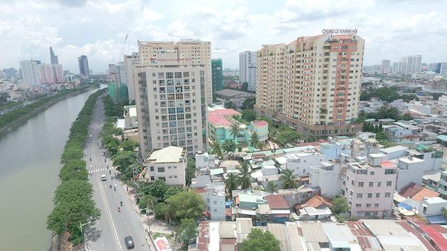 Khu trung tâm TP.HCM, Hà Nội đang nghẹt thở với cao ốc, chung cư - Ảnh 2.