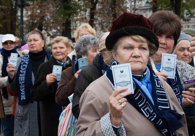 Sợ vỡ quỹ, Nga sẽ phải tăng tuổi hưu - Ảnh 1.