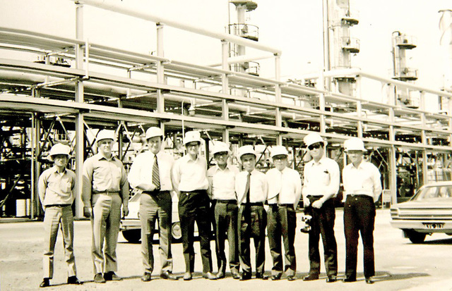 Mỏ dầu Bạch Hổ: Những gói thầu triệu đô - Ảnh 1.