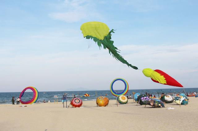 Mùa du lịch biển hút khách dịp lễ 30-4, 1-5 - Ảnh 6.