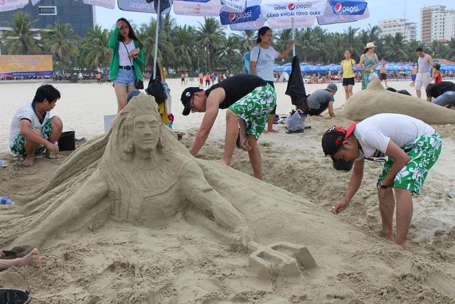 Mùa du lịch biển hút khách dịp lễ 30-4, 1-5 - Ảnh 9.