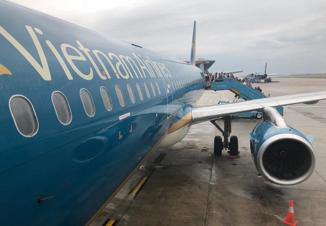 Bị lỗi kỹ thuật, máy bay VNA phải quay lại nhà ga ở Nội Bài - Ảnh 1.  Bị lỗi kỹ thuật, máy bay VNA phải quay lại nhà ga ở Nội Bài img 4591 1525063214187277103168 15250640279401241233855