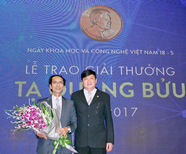 Đường lên đỉnh cao khoa học của thầy dạy toán tỉnh lẻ Nguyễn Sum - Ảnh 2.
