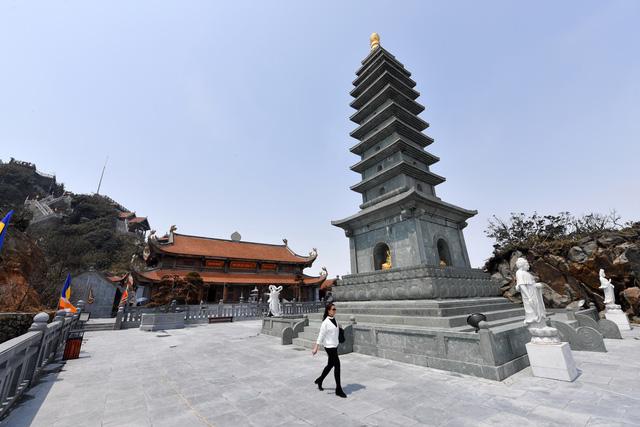 Cận cảnh những kiến trúc thời Trần được tái hiện trên đỉnh Fansipan - Ảnh 11.