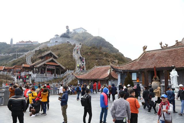 Cận cảnh những kiến trúc thời Trần được tái hiện trên đỉnh Fansipan - Ảnh 12.