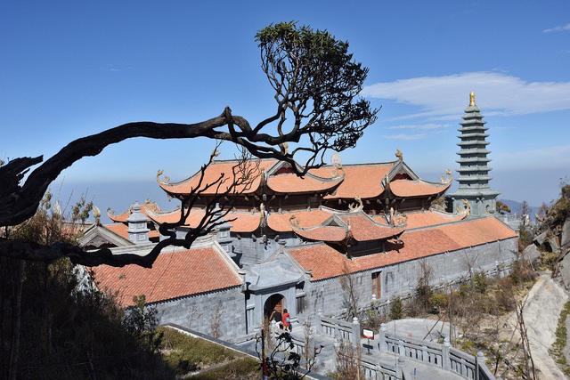 Cận cảnh những kiến trúc thời Trần được tái hiện trên đỉnh Fansipan - Ảnh 4.