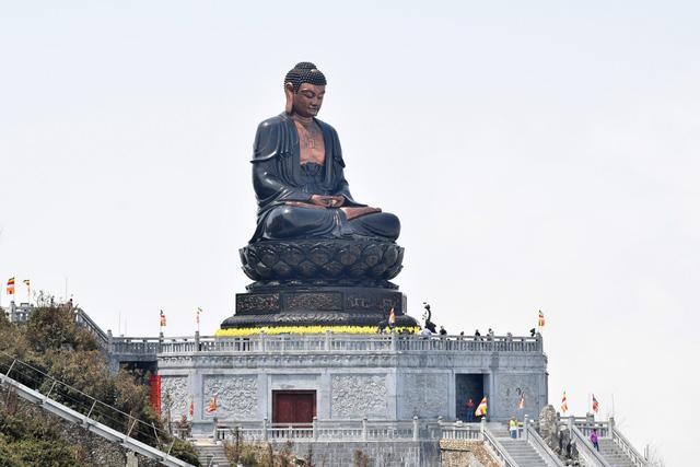 Cận cảnh những kiến trúc thời Trần được tái hiện trên đỉnh Fansipan - Ảnh 9.