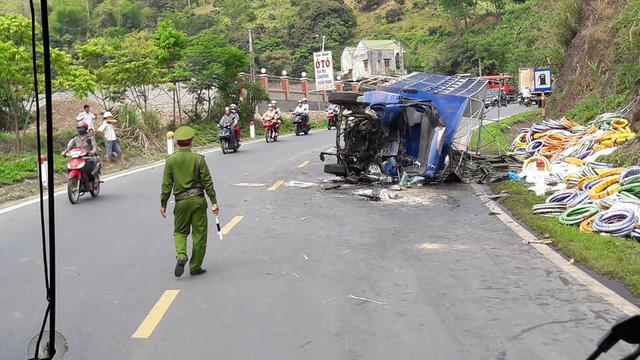 Tai nạn liên hoàn trên đường Sơn La - Hà Nội, 1 người chết - Ảnh 2.