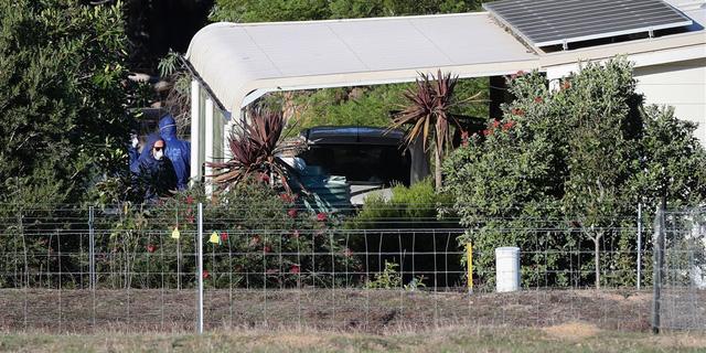 3 khẩu súng trong vụ thảm sát ở Úc là của ông ngoại 4 đứa trẻ - Ảnh 1.