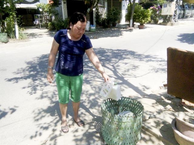 Chiếc giỏ rác đặc biệt của người đàn ông 68 tuổi - Ảnh 2.