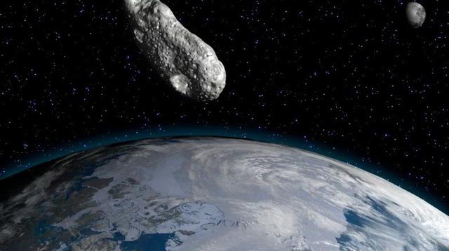 Một tiểu hành tinh vừa bay sát Trái đất nhất trong 300 năm qua - Ảnh 1.