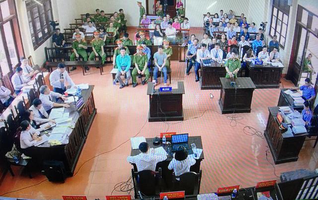 Xét xử bác sĩ Lương: Không có biện pháp tố tụng với cựu giám đốc - Ảnh 1.