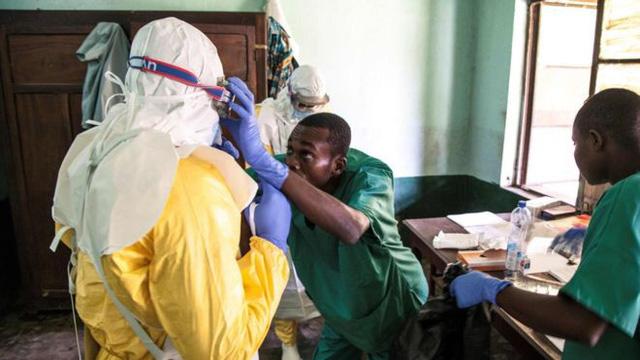 WHO lo ngại nguy cơ tái bùng phát dịch Ebola ở châu Phi - Ảnh 1.