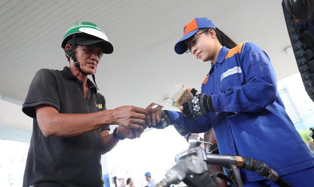 Tăng thuế xăng dầu: hộ chi thêm cao nhất 130.000 đồng/ tháng - Ảnh 4.