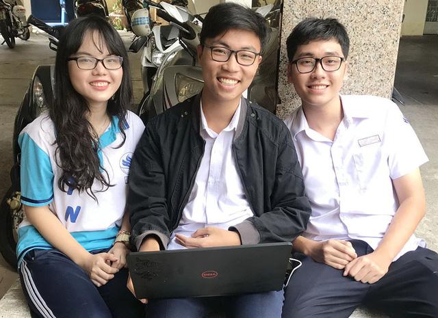 Học sinh sáng chế phần mềm về giải phẫu cơ thể người - Ảnh 1.