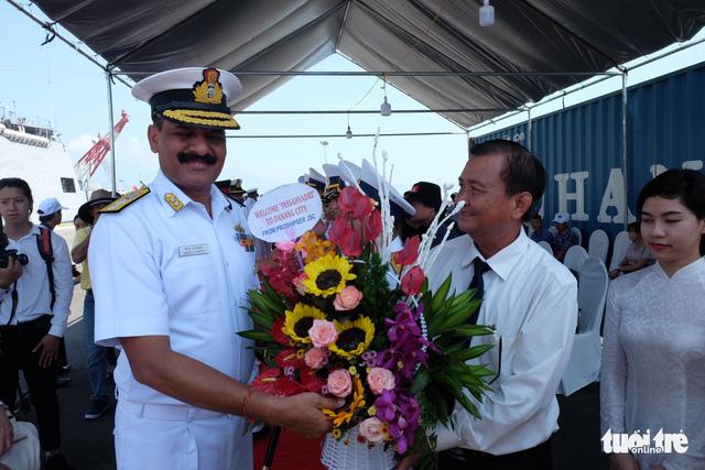 Đà Nẵng đón cùng lúc 3 tàu hải quân Ấn Độ vào thăm - Ảnh 2.