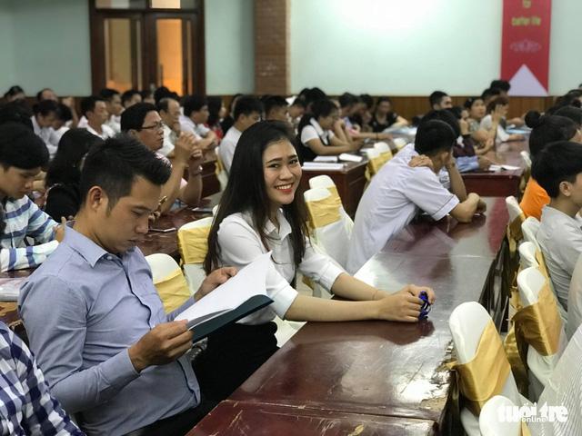 Năm 2020: 40% học sinh tốt nghiệp THPT sẽ học cao đẳng? - Ảnh 1.