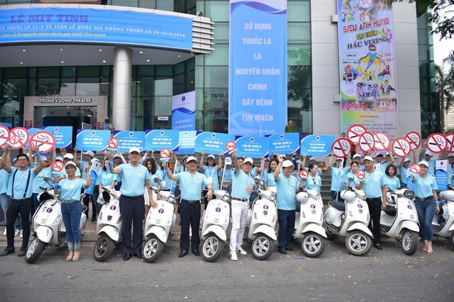 1.000 thanh niên Đà Nẵng nhảy Flashmop nói không với thuốc lá - Ảnh 3.