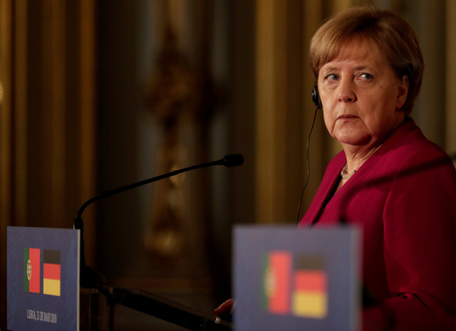 Châu Âu sôi máu vì bị Mỹ áp thuế nhôm thép - Ảnh 1.
