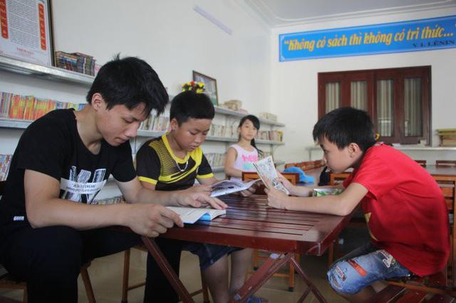 Thư viện ông Dũng dành cho học sinh nghèo - Ảnh 1.
