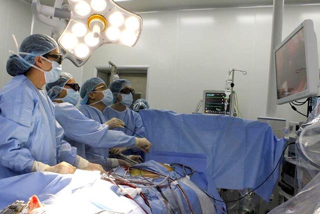 Tăng phụ nữ trẻ bị u nhầy tim - Ảnh 1.