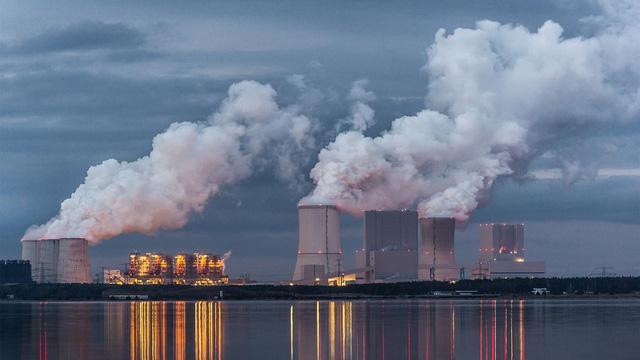 Nồng độ CO2 của Trái đất chạm mức cao nhất trong 800.000 năm qua - Ảnh 1.
