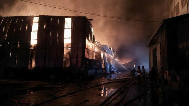 Cháy lớn tại KCN Vĩnh Lộc, huyện Bình Chánh - Ảnh 3.
