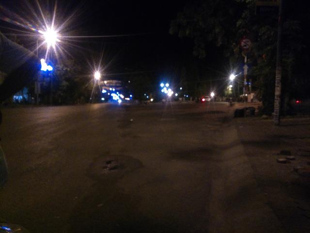 Quốc lộ 1 qua Bình Thuận đã thông suốt sau nhiều giờ tắc nghẽn - Ảnh 2.