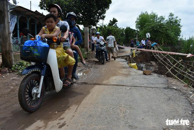 Sạt lở nhiều ở An Giang là do mưa và biến đổi dòng chảy - Ảnh 2.
