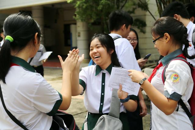 Công bố điểm thi, điểm chuẩn lớp 10 Trường phổ thông năng khiếu - Ảnh 1.