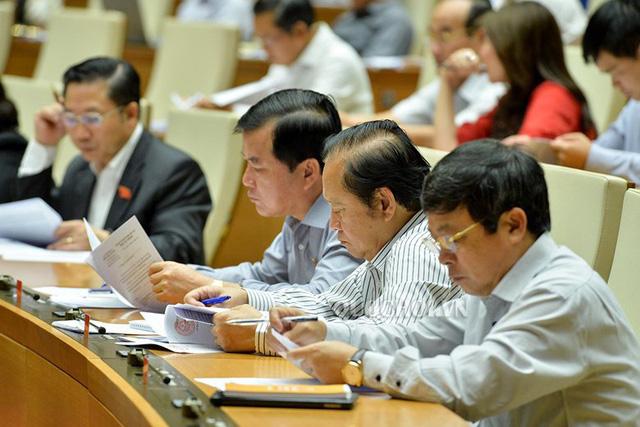 Quốc hội dành cả ngày thảo luận sửa luật Phòng, chống tham nhũng - Ảnh 1.