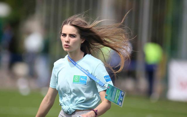 World Cup 2018 bắt đầu nóng với những cô gái Nga xinh đẹp - Ảnh 5.