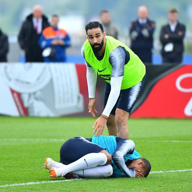 Tuyển Pháp tái mặt khi Mbappe chấn thương trước World Cup - Ảnh 1.