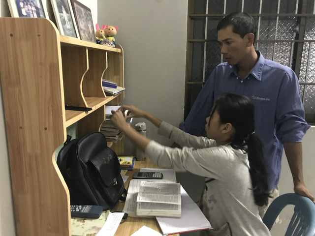 Chàng trai Khmer 13 năm bán vé số đã trở thành công chức - Ảnh 1.