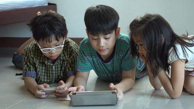 Những quy tắc an toàn trên Internet mà cả phụ huynh lẫn trẻ em cần xem xét - Ảnh 1.