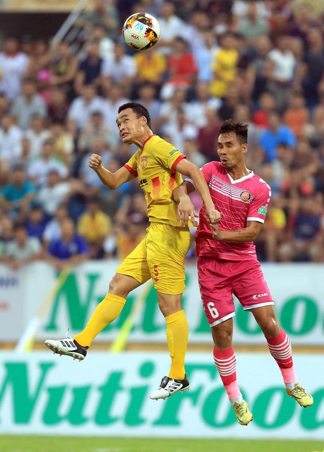 Nam Định thắng trận thứ hai tại V-League 2018 - Ảnh 1.