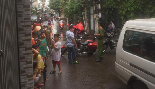 Phát hiện 2 cha con chết trong nhà gần chợ Tân Bình, TP.HCM - Ảnh 1.