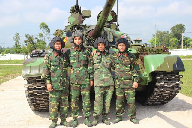 Lính xe tăng ở tây Nghệ An - ảnh 1